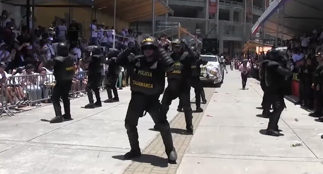 Peculiar baile de la PNP se viralizó en las redes sociales.