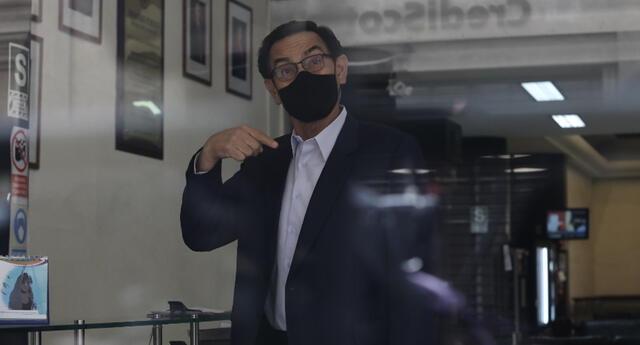 Martín Vizcarra se pronuncia sobre caso Vacunagate.