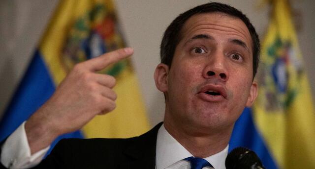 Contralor Elvis Amoroso inhabilita a Juan Guaidó y a diputados electos en el 2015.