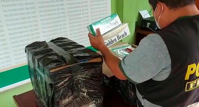 La PNP en plena revisión de la mercadería de contrabando