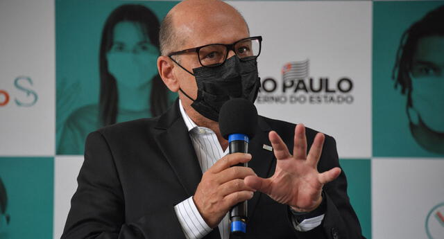El director del Instituto Butantan, Dimas Covas, en Serrana, a unos 323 km de Sao Paulo, Brasil, el 17 de febrero de 2021.