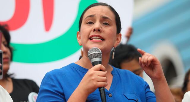 Intensión de voto de Verónika Mendoza pasó de 8.2 al 8.9 %, de acuerdo al  Instituto de Estudios Peruano (IEP).