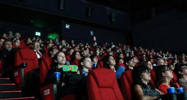 Cines reabrirán sus puertas con un aforo del 20 %, anunció Gobierno.