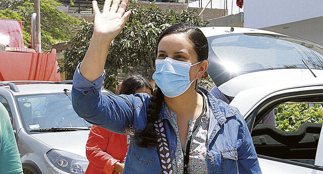 Verónika Mendoza continúa recorriendo el Perú exponiendo sus propuestas.