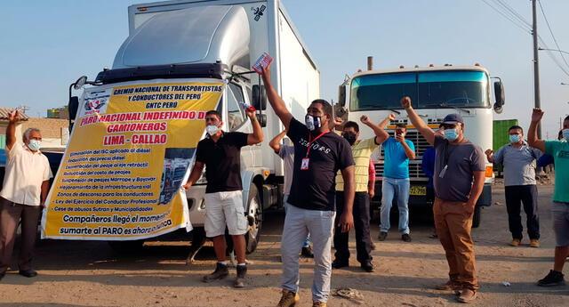 aseguran que se ha paralizado el 80 % de transporte de carga en el país y manifiestan que las autoridades hacen caso omiso a sus demandas.