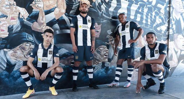 Alianza Lima presentó su uniforme para la temporada 2021.