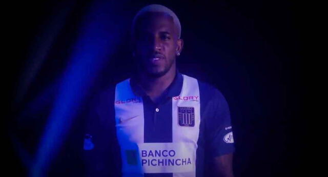 Alianza Lima anunció a Jefferson Farfán.