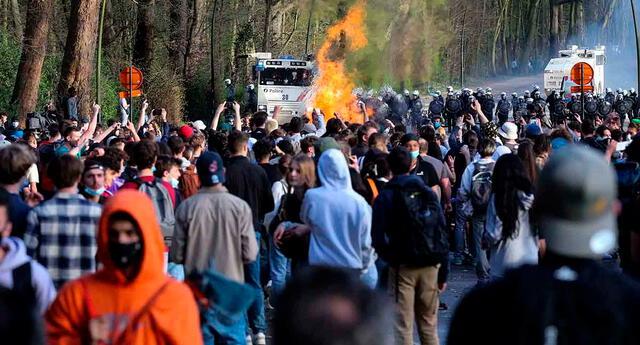 La Policía local calculó que el evento reunió entre 1,500 y 2,000 personas en el Bois de la Cambr.e