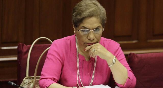 El esposo de la exparlamentaria Luz Salgado falleció por coronavirus en la Clínica Javier Prado.