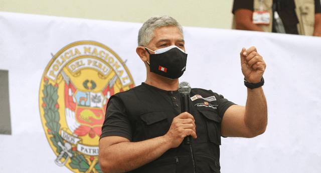 Ministro José Elice exhorta, nuevamente, a retirarse a invasores.