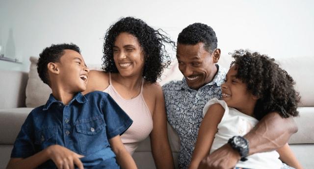 La comunicación y confianza son vitales para mejorar los lazos familiares.