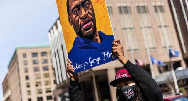 """""""Fue homicidio"""": Médico forense asegura George Floyd murió por violencia en su detención."""