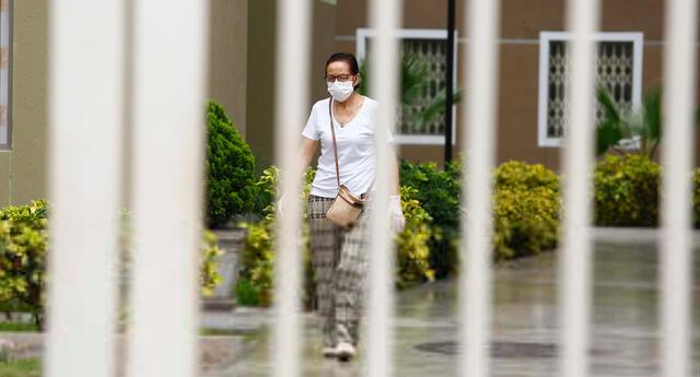 La especialista instó a los habitantes de los edificios o condominios a usar mascarilla cuando transiten por las áreas comunes sin ventanas.
