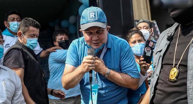 Rafael López Aliaga falta el respeto al personal del ONPE