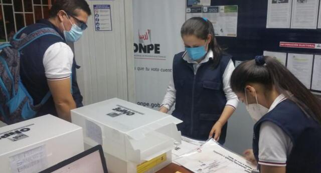 La ONPE recordó que la segunda vuelta electoral se llevará acabo el 6 de junio, y será entre Pedro Castillo y Keiko Fujimori.
