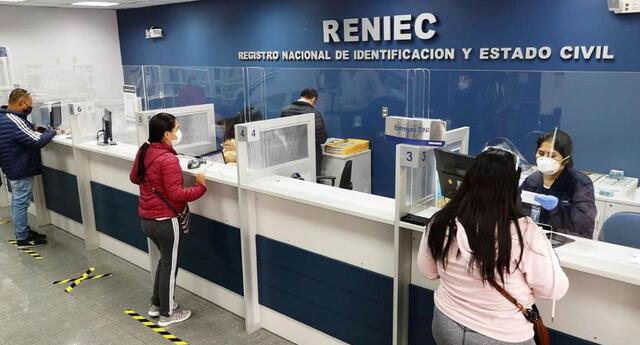 Aquí te contamos los pasos que debes seguir para poder solicitar una cita para recoger tu DNI en las oficinas del Reniec.