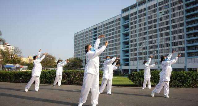 La práctica del Tai Chi tiene muchos beneficios para la salud física y mental.