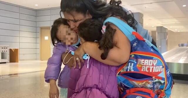 Según la AFP, más de 70 inmigrantes indocumentados cruzaron el Río Grande frente a Roma, Texas, a fines de marzo del 2021.