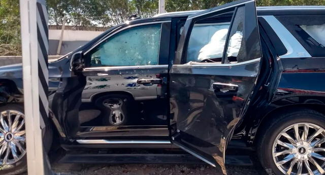 La camioneta recibió 25 impactos de bala.