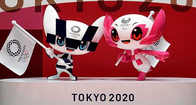 Los funcionarios de los Juegos Olímpicos y metropolitanos de Tokio presentaron las mascotas azul y rosa.