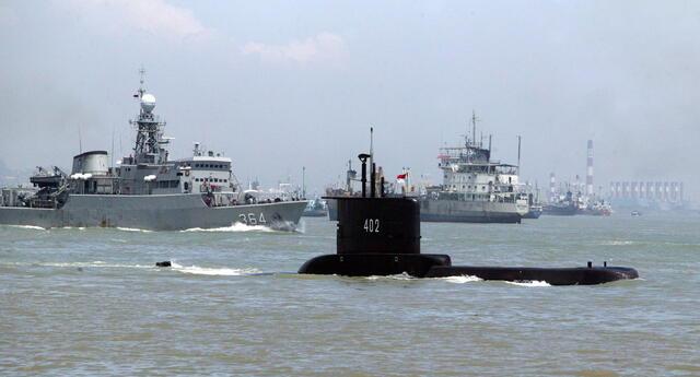 Indonesia: autoridades afirman que submarino desaparecido con 53 tripulantes le quedan menos de 24 horas de oxígeno