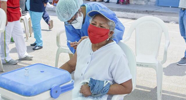 Desde el martes 27 de abril podrán consultar fecha y horario de vacunación en la web Pongo el Hombro.