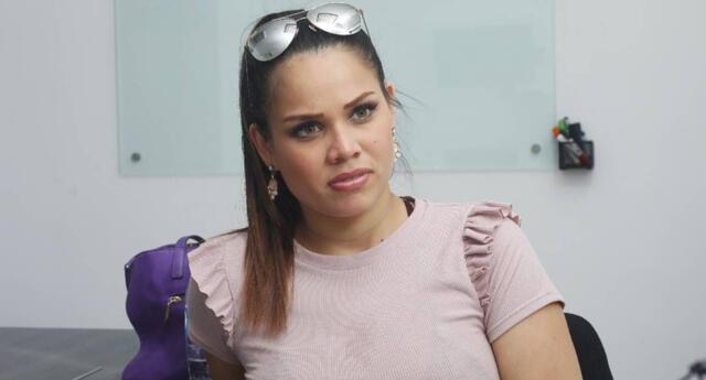 La modelo Andrea San Martín recordó que ella tiene sus propios negocios y se solidarizó con los otros emprendedores que sufren por este hecho.