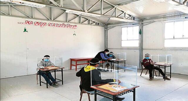 Suspenden clases presenciales en tres colegios de La Unión por casos COVID-19