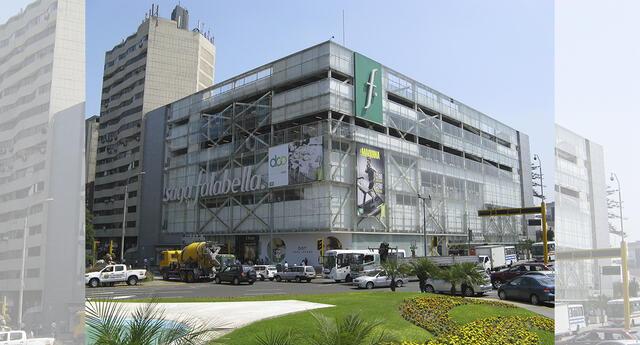 Clausuran temporalmente tienda Saga Falabella en Miraflores.