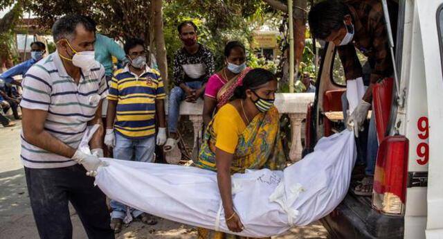 India registró este domingo un nuevo récord con mas de 3.680 muertos por coronavirus en solo 24 horas.
