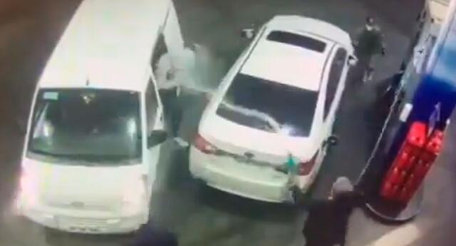 Hombre echó gasolina a los ladrones