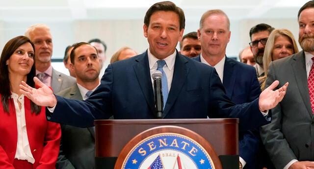 DeSantis es uno de los gobernadores que se ha apresurado en eliminar los protocolos de seguridad contra el coronavirus.
