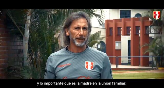 Jugadores y cuerpo técnico enviaron saludos a las mamás peruanas en su día.
