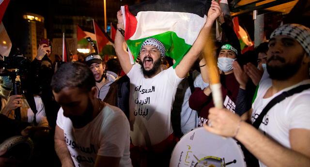 Palestinos protestan contra Israel por querer desalojarlos.