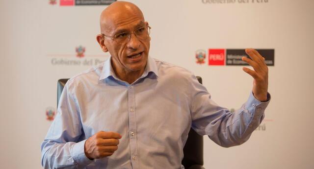 El ministro de Economía, Waldo Mendoza, explicó que la devolución de aportes costaría 50 veces el PBI de China.