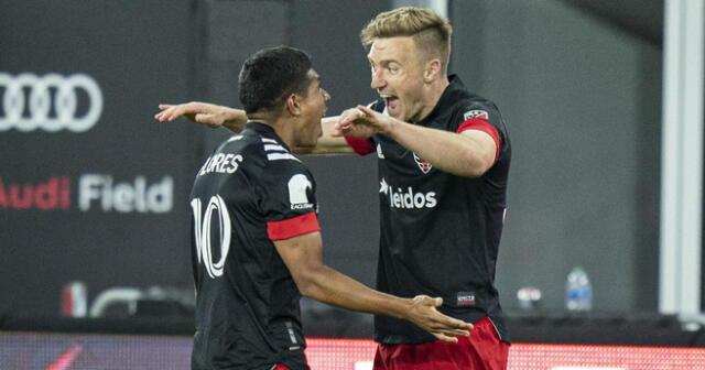 El festejo efusivo de Edison Flores por su gol marcado en DC United
