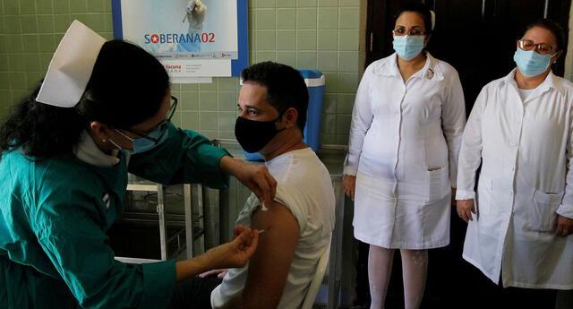 De las 13 vacunas que rigen en su programa de inmunización para los cubanos, ocho son de producción local. Lo que ratifica a Cuba como uno de los países avanzados en medicina.