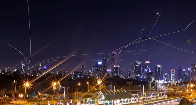 Israel recibió el ataque de una lluvia de misiles lanzados desde la Franja de Gaza.