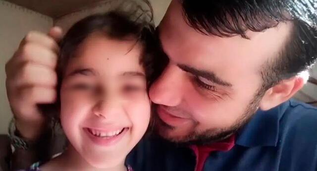 Ahmad Mansi protegió a sus hijas de los bombardeos en Gaza.
