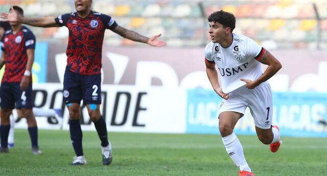 Zanelatto festeja su gol que significó al final de la victoria y  que sirvió para ganar el Grupo A.