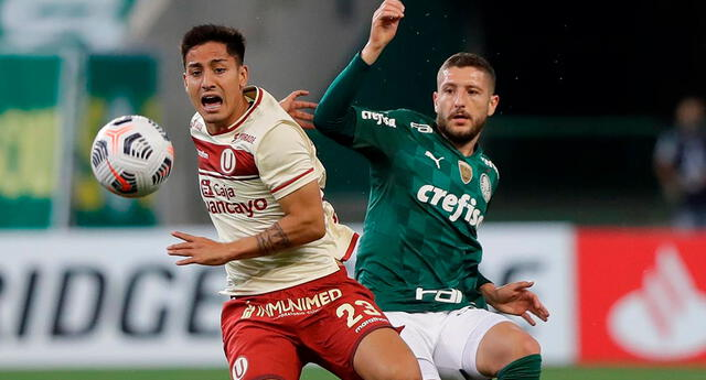 Universitario sufrió una de sus peores derrotas frente a Palmeiras.