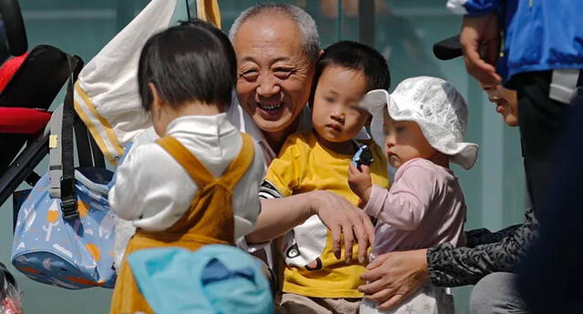 China ha reportado la caída de su tasa de natalidad.