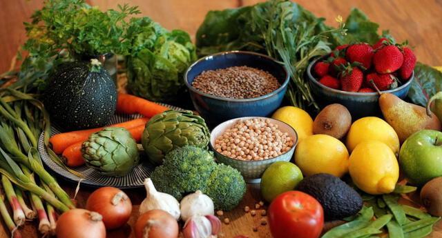 Los minerales tan importantes como el selenio y el zinc se encuentran tanto en carnes como en verduras.
