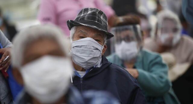 COVID-19 Minsa informa que se inoculará a más de 100 mil personas por día