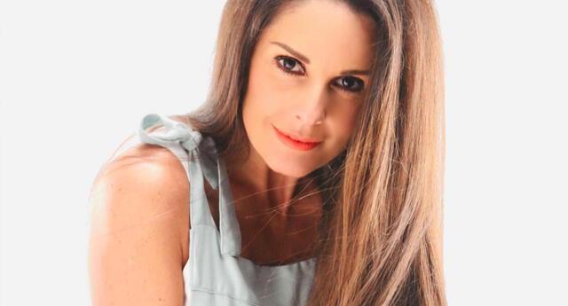 Rebeca Escribens celebra 44 años en sus redes sociales.