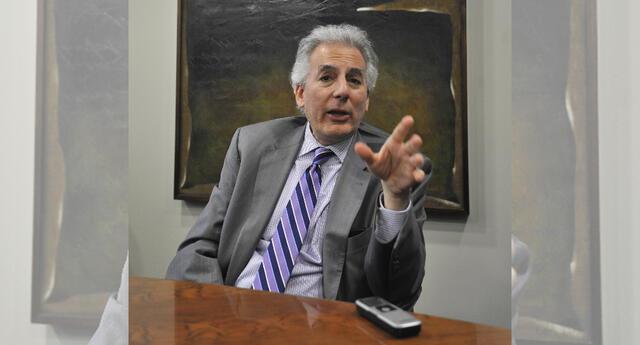 Hijo de Mario Vargas Llosa aclaró que no hubo nada ilegal en la llamada del jefe de Estado.