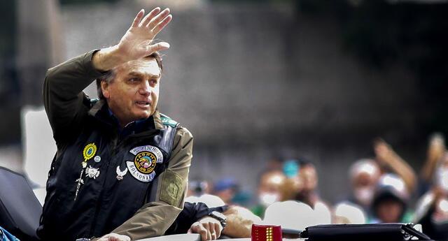 Autoridades del estado de Sao Paulo dijeron que habían multado a Bolsonaro, a su hijo congresista y al ministro de Infraestructura.