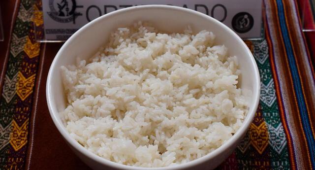 ¿Se debe lavar el arroz antes de cocinarlo?