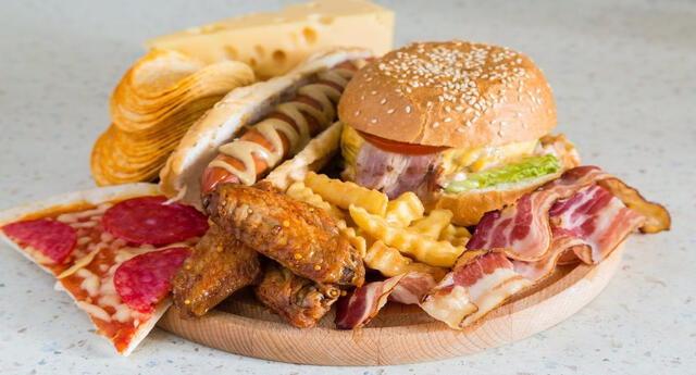 Las  grasas saturadas son fatales para los triglicéridos.