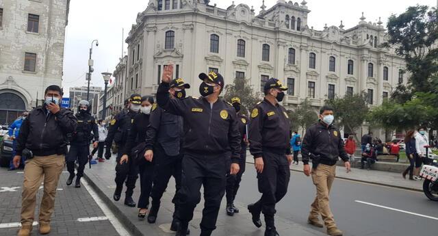 PNP resguarda plazas de Cercado de Lima para evitar conflictos
